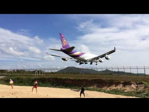 Phuket Airport Spotting, Mai Koa Beach, Thailand