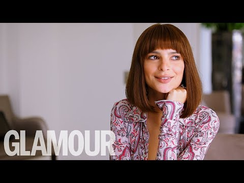 "Emily Ratajkowski's Tinder Tips: ""Don't Date Boys with Topless Photos!""   GLAMOUR UK"