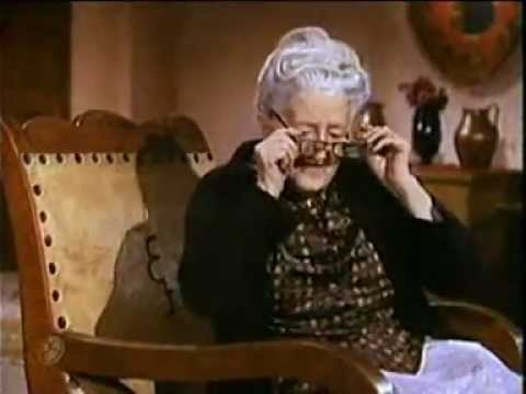 Cri Cri -  Di por que, dime abuelita.