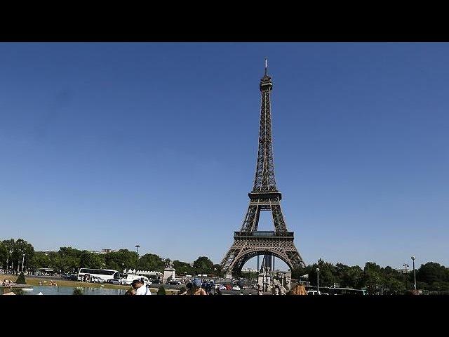 Taschendieb-Alarm: Eiffelturm schließt für Touristen