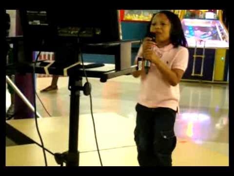 Karaoke Fun at LOL Stations, Waldorf 5-8-2010