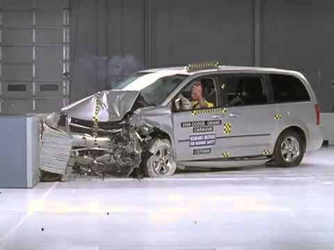 voiture crash test 2008 dodge grand caravan moderate overlap test youtube. Black Bedroom Furniture Sets. Home Design Ideas