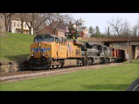 Chasing CN M338 from E. Dubuque to Galena, IL 4/8/2017 WITH NS 1066 (NYC Heritage)
