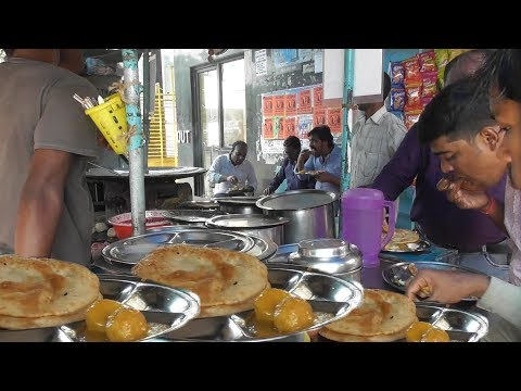2 Piece Paratha with 2 Piece Alur Dum Only 20 rs Per Plate | Street Food Kolkata Exide More
