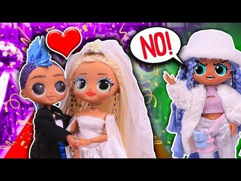 SWAG MARRIES PUNK BOI! 😱 Her FRIENDS RUIN the WEDDING! 💄 LOL OMG DOLLS
