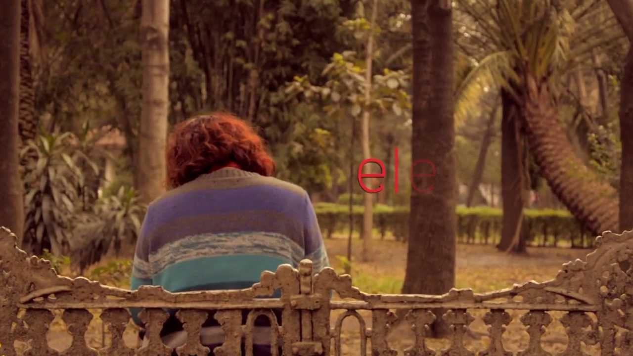 La chica de rojo cogiendo rico - 4 9