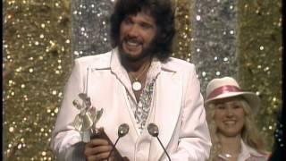 Eddie Rabbit Wins New Male Vocalist - ACM Awards 1978