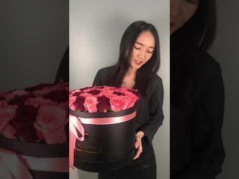 Яркие розы в изысканной коробке