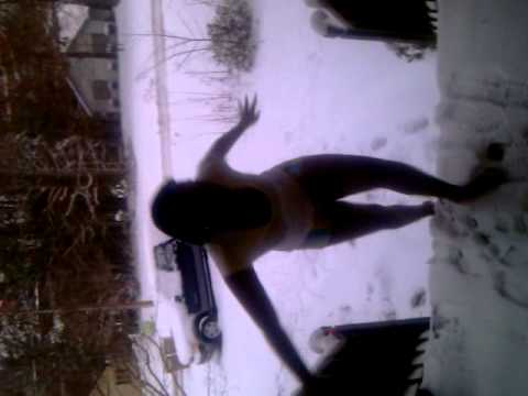 diona in the snow being dumb