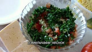 Салат Весна  (  с крабовыми палочками  и сыром )