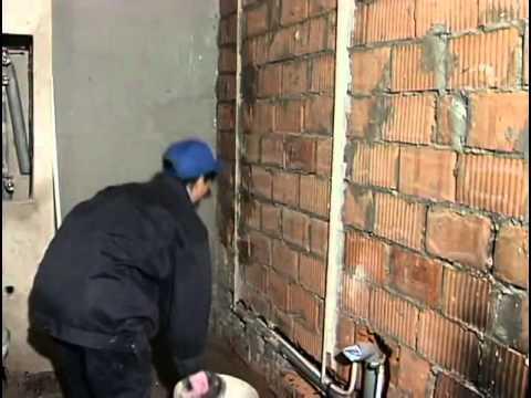 видео: Штукатурка стен своими руками