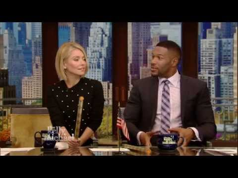 Michael Strahan Shows Off his Abs for Magic Mike XXL