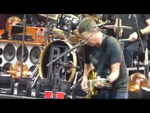 Pearl Jam - Fuckin Up - Philadelphia (April 28, 2016)