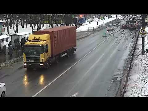 Смотреть Авария в Красном Селе 12.02.19 онлайн