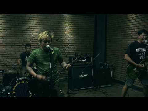 SCARED OF BUMS - BRIGHT LIGHT FOR THE KIDS (live Rehearsal @ Rockthebeatstudio)