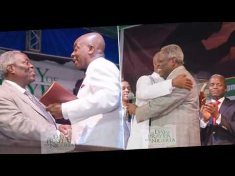 Fathers of faith :Bishop David Oyedepo and Pastor Kumuyi hugs at  Day of Prayer for Nigeria