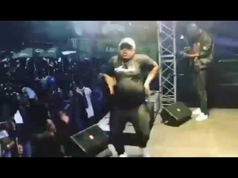 DJ joejo x DJ Tira - malome uyalumana playing