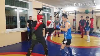 Лоу кик под руки, урок Тайского бокса Серек Уразов.