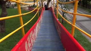 很像雲霄飛車的溜滑梯