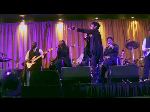 Gladys Knight live in concert 2017 -  Neither One Of Us