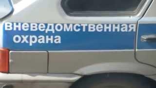 Полицейский забыл автомат на крыше авто.Жесть