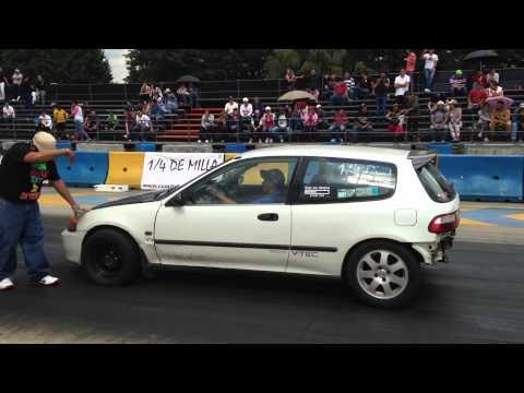 Silverado v8 turbo vs honda civic turbo picas 1 4 de milla for V8 honda civic