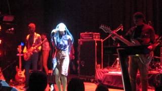 Solange - T.O.N.Y. (Santiago, Chile / 22-11-13)