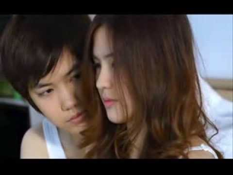 Aom Sucharat Manaying & Tina Jittaleela - Beautiful In White