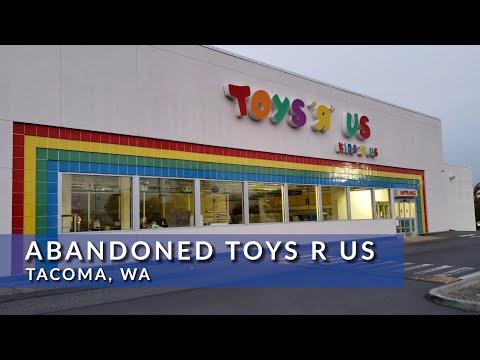 Abandoned Toys R Us Tacoma, WA