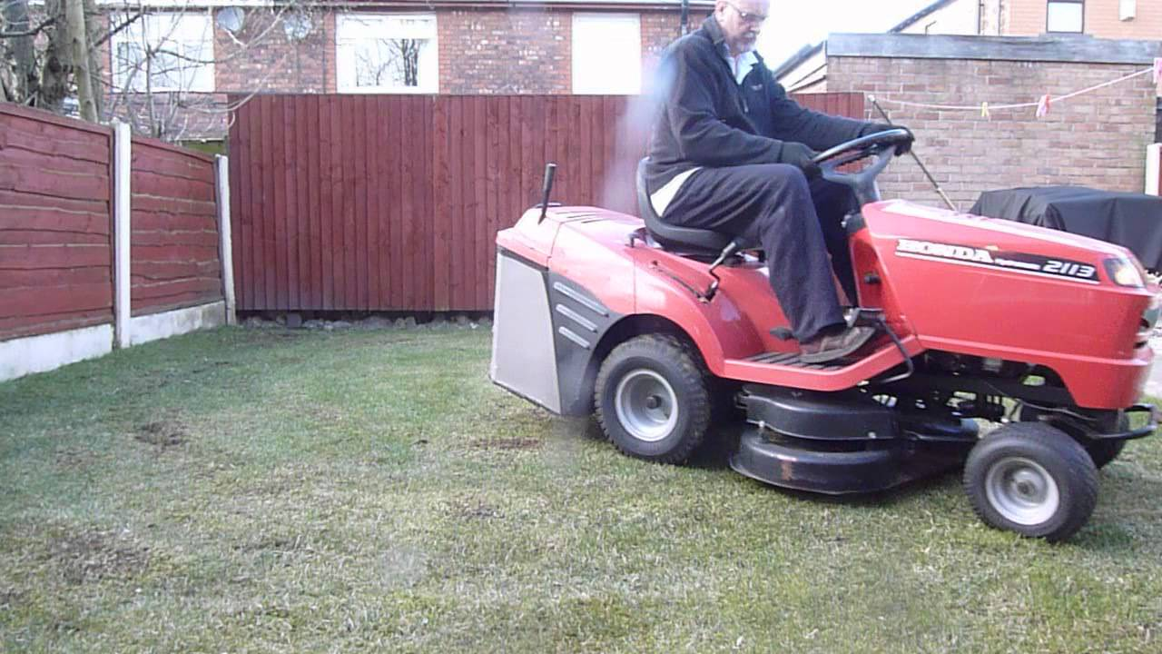 Honda Hydrostatic 2113 Ride On Mower Youtube