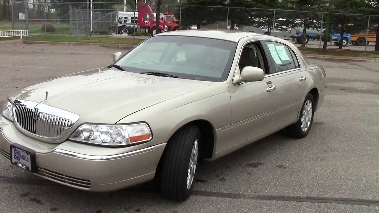Lincoln Town Car Signature Limited For Sale