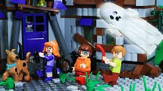 Lego Halloween Scooby Doo Escape from Skeleton