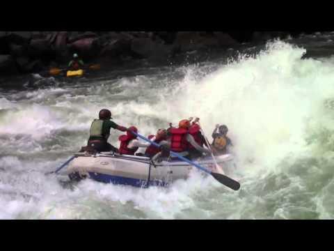 Rafting Rapid 18 Oblivion on the Zambezi River