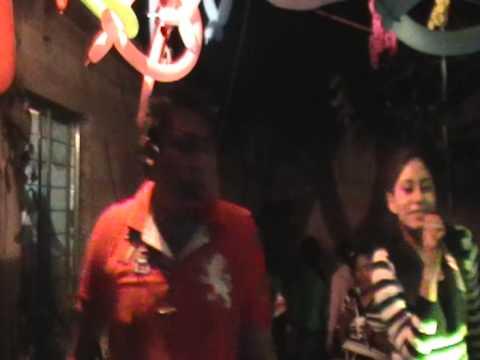 cantando karaoke que bello rodolfo y zulema mi prima