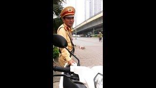 CSGT đội 3 Việt Kiều Đức đập điện thoại người dân, gọi tiếp thị sữa đe doạ xô xát xát