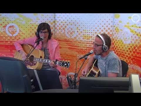 Sandra Vanreys en Eric Heutink zingen 'Het Donker van de Nacht'