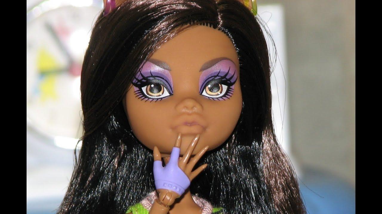 Как кукле сделать макияж