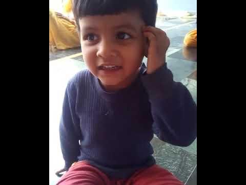 Da lagi dadua.......Phadi child sing in funny way
