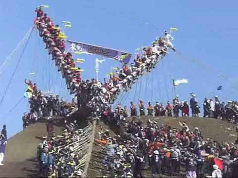 諏訪大社御柱祭木落とし   2010年3月