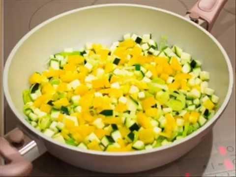 """Рецепт """" Рыба, тушёная в овощах""""из YouTube · Длительность: 2 мин36 с  · Просмотров: 221 · отправлено: 05.04.2014 · кем отправлено: Василиса Васильева"""