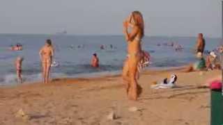 На берегу моря в Голубицкой