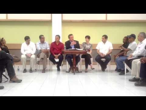 Qik - Gobernador Hon. Alejandro Garcia Padilla en coversatorio Vieques by Foro Noticioso