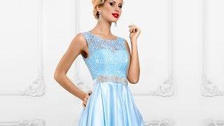 Голубое платье с ажурным лифом и атласной юбкой в пол
