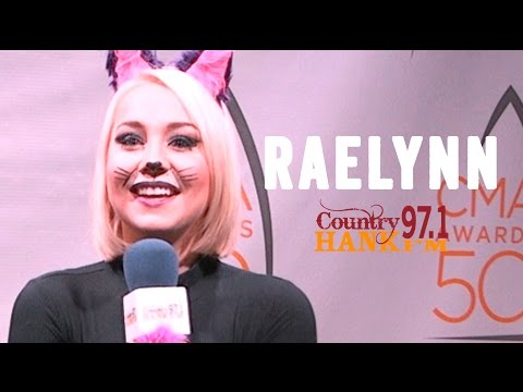 Raelynn - Being On The Road With Blake Shelton