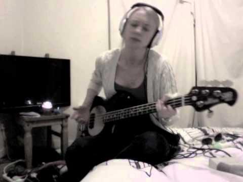Hump De Bump  RHCP Bass
