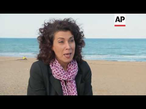 Satirical cartoonist lampoons Tunisian democracy