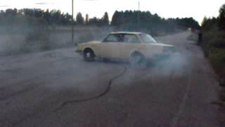 Volvo 240 V8 doughnuts burnout acceleration