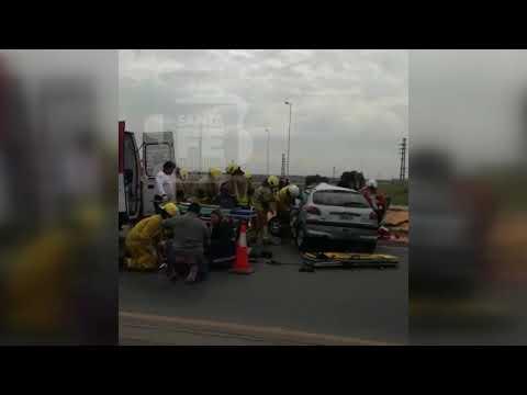 Una mujer herida grave en un choque debió ser rescatada en helicóptero