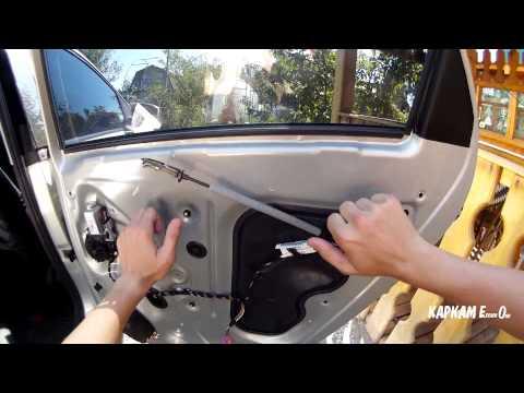 Разобраная задняя правая дверь VW Polo Sedan. Простукивание металла.