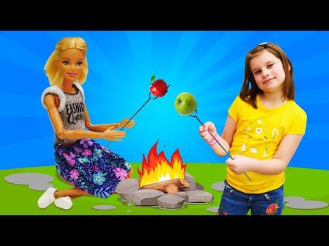 Видео с куклой Барби – Что взять с собой на пикник? – Новые игры для девочек.